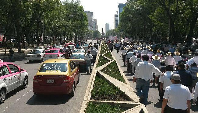 ¿Está pasando de verdad #fueraUBER #CDMX? – Resumen: Debate Taxistas vs Uber + Cabify –