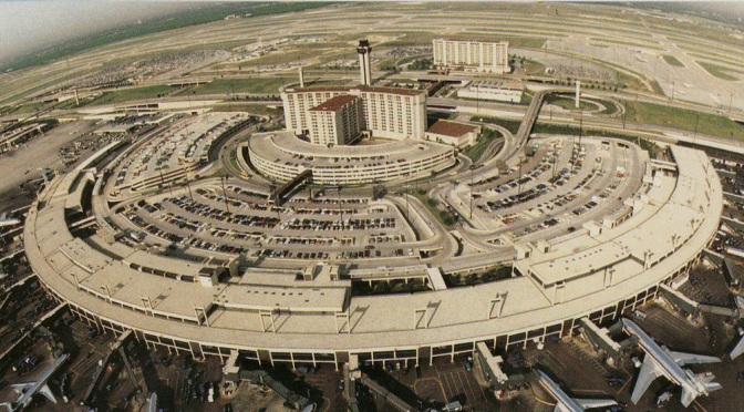 Día 1 – Desmadre de aeropuertos(American Airlines) pero ya casi #SV